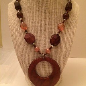 Circle Necklace Plastic Brown Beads A2.8